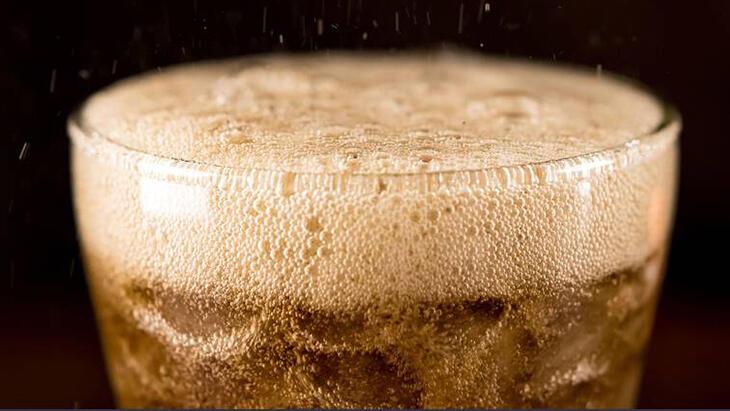 Asitli ve gazlı içecekler bu hastalıkları tetikliyor!